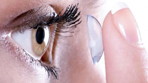 какие контактные линзы лучше