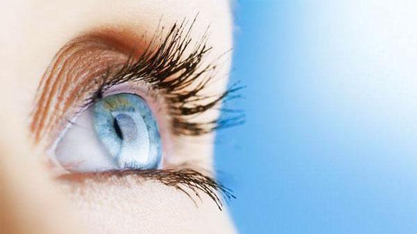 Сколько носят контактные линзы для глаз
